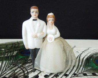 Bride Groom Figurine - Wedding Cake Topper Vintage - Wedding Decor Keepsake - Decor Display Collectible Wilton