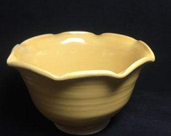 Medium fluted bowl