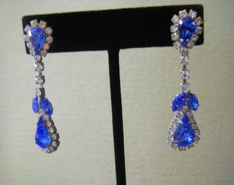 VTG. ice BLUE teardrop  EARRINGS surrounded by clear Rhinestones for more bling
