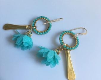 Women's dangle earrings
