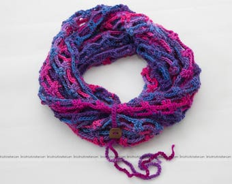 "Crochet scarf ""Artfully"" infinity, accessory, women scarf, adorned with a wood button 2.25cm (0.75inch). Ready to ship!"