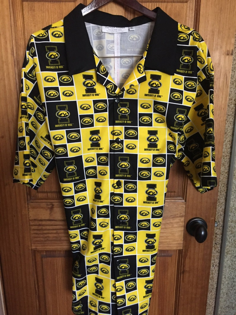 Iowa Hawkeyes Hawaiian ShirtTommy Bahama StylePerfect  ce297485a
