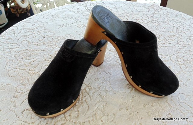 8861d19a11e Ugg Black Suede Slide-Ins, Mules, Clogs • Used, Women's US Size 6 ...