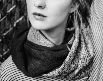 Infinite snood scarf in wool tweed and mesh for women and men.
