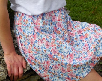 Elasticated women's skirt, short summer skirt, floral skirt, elastic waist, cotton and linen. Pink flower skirt. Romantic and Retro. France