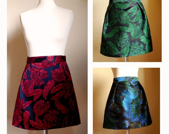 Short brocade skirt, taffeta fabric, jacquard green skirt, jacquard red skirt, floral fabric. Mini skirt woman. Made in France fashion.