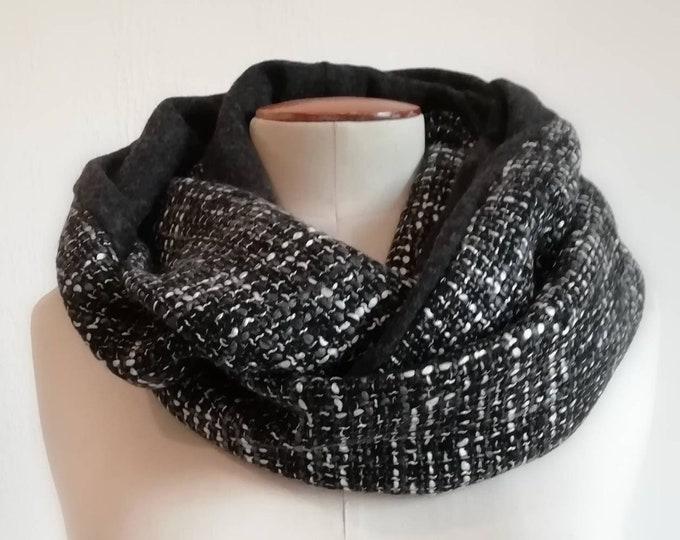 Snood infinite scarf, pink silk and wool tweed. Wrap around collar, circular tubular scarf.
