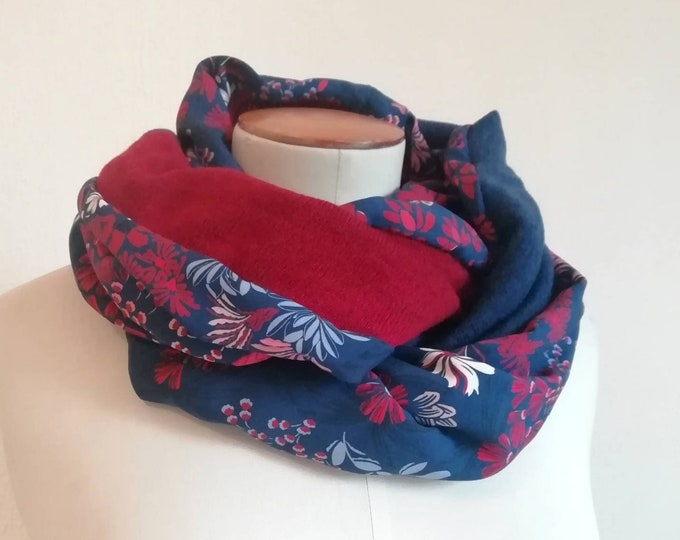 SNOOD woman printed red and blue flowers, endless scarf
