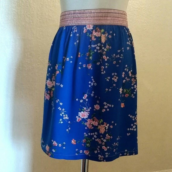 Women's short summer skirt, elastic waist fancy glitter glitter, floral print