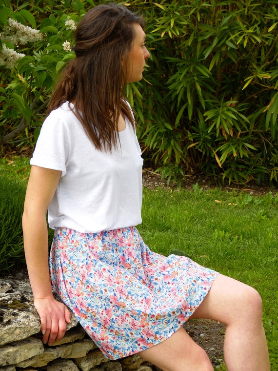 Skirt woman elasticated, short summer skirt floral skirt waist elastic, cotton and linen. Pink flowers skirt. Romantic and Retro. France