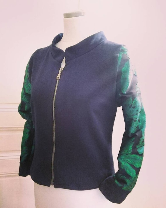 Night jacket in Navy Blue fleece and green and blue Brocade sleeves. Original to wear in spring or indoor bomber jacket