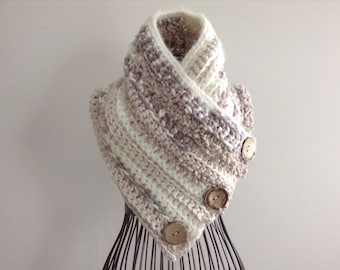 Cloquet Cowl - Pale Pink/Ivory