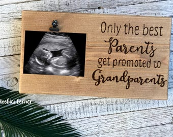 Pregnancy reveal to grandparents, The best parents get promoted to Grandparents sign, Grandparents picture frame, Grandparents gift
