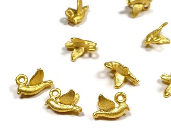 Tiny Bird Charm , 24K Gold Plated Charms, Jewelry Making Supplies - BirdCG001