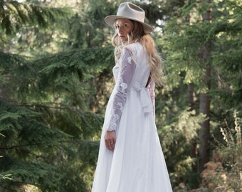Vintage Boho Wedding Dress, Long Sleeve Wedding Dress w Train, White Lace Wedding Dress w Back Bow, 60's Mod Wedding Dress, Wedding Gown