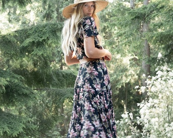 90's Floral Maxi Dress / Bias Cut Rose Print Boho Fall Autumn Dress / Garden Party Cottagecore dress / Crinkle Gauze Flowy Dress