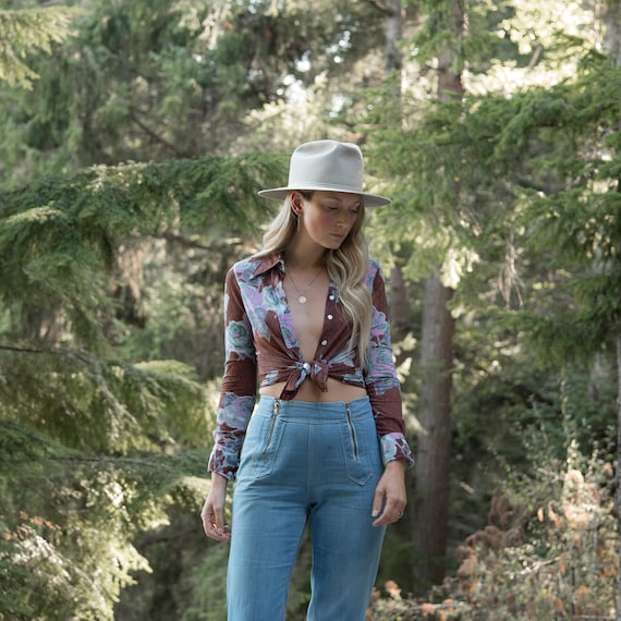 70's Floral Hippie Top,Psychedelic Rose Print But… - image 6