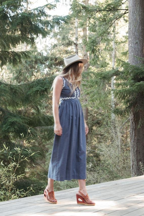 70's Denim Dress | Boho Chambray + Crochet Maxi D… - image 4