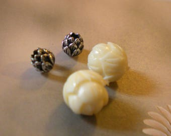 set of 4 LOTUS flowers white cream and silver
