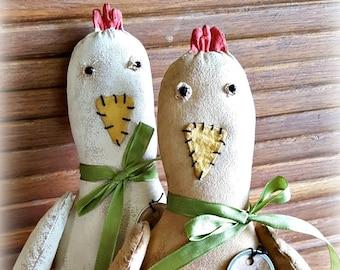 Prize Chicken Epattern Cupboard Tuck Folkart Doll