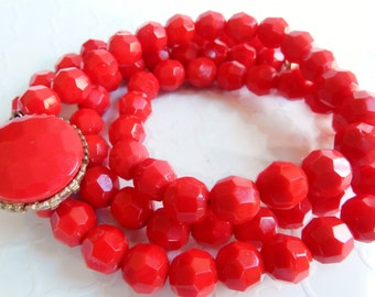 Vintage Long Necklace - Red Glass Necklace - 1930s Fashion - Rockabilly Pin Up - Gift For Her - Art Deco Jewelry - Downton Abbey - Flapper