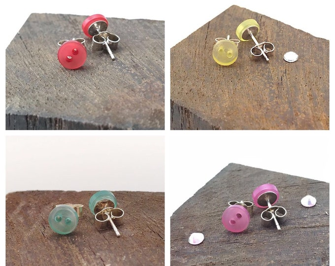Tiny stud earrings, tiny earrings, tiny studs, button stud earrings, stud buttons silver, button earrings, button earrings studs, button art