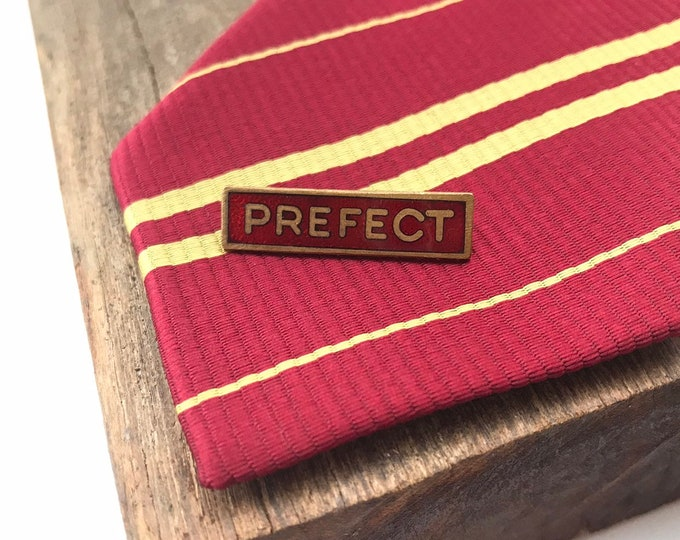 Small PREFECT vintage school badge - red