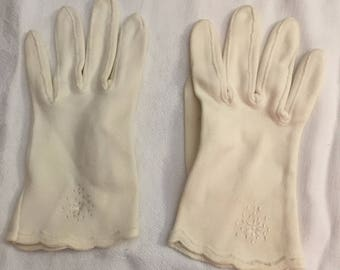 Vintage White Gloves for Child or Small Lady