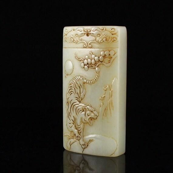 N09607 Vintage Chinese Hetian Jade Tiger Pendant