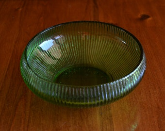 Glass Bowl Vintage USA Made Vintage 70's E.O. Brody Co. in Excellent Condition
