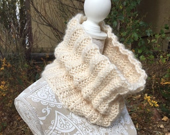 Alpaca Cowl - a loom knit pattern