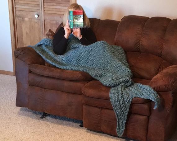 Mermaid Blanket -- a loom knit pattern