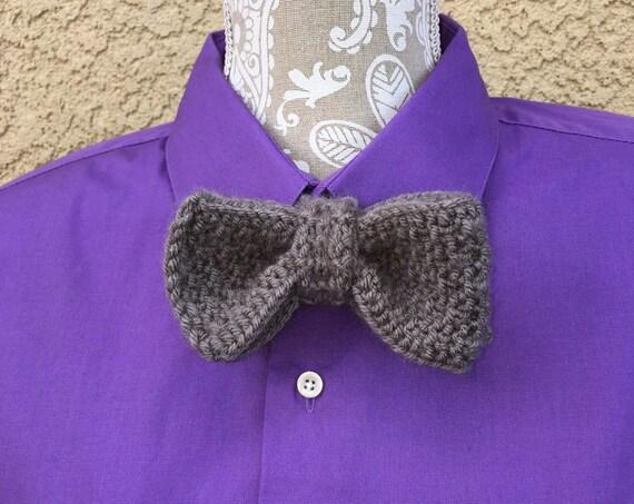 Bow Tie  --  a loom knit pattern