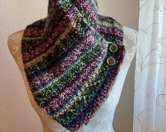 La Veta Buttoned Scarf -- a loom knit pattern