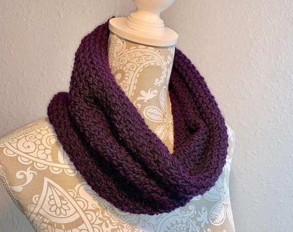 Aroya Cowl -- a loom knit pattern