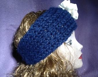 Closed Accordion Stitch Ear Wrap --  a loom knit pattern