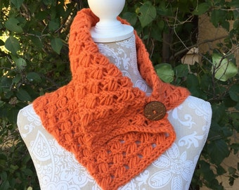 Indian Cross Stitch Cowl - a loom knit pattern
