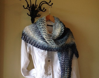 Country Road Shawl -- a loom knit pattern
