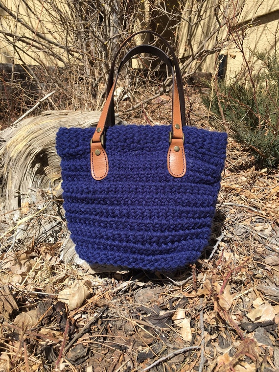 Horsetooth Handbag/Tote  --  a loom knit pattern