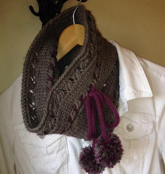 Criss Cross Cowl - a loom knit pattern