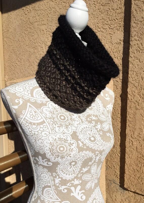 16th Street Cowl -- a loom knit pattern