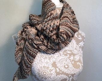 Diagonal Knot Stitch Scarf - a loom knit pattern