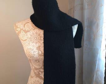 Basic Men's Scarf  --  a loom knit pattern