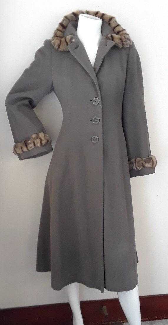 SALE* Vintage 1940s Wool & Chinchilla Princess Co… - image 4