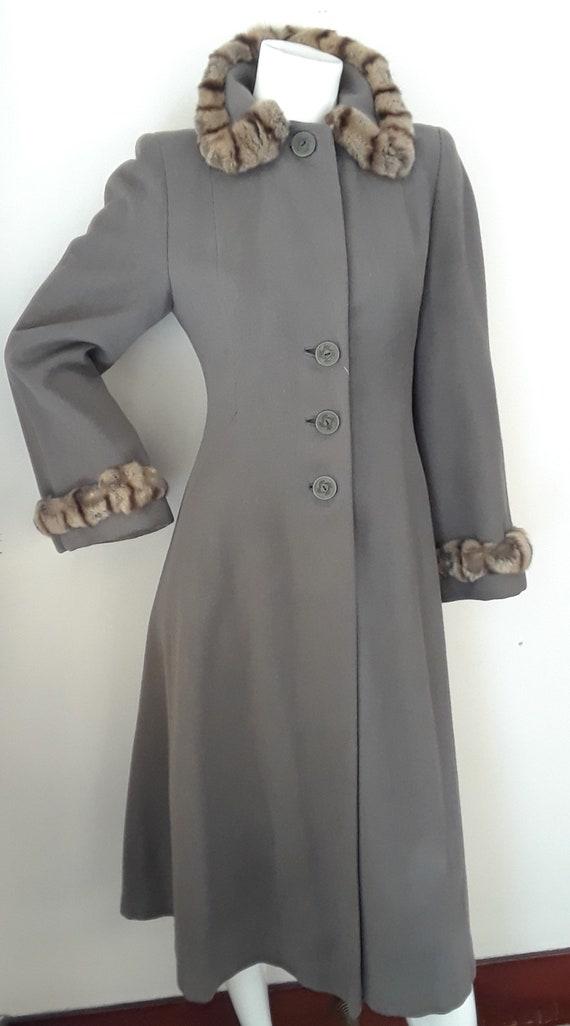 SALE* Vintage 1940s Wool & Chinchilla Princess Co… - image 2