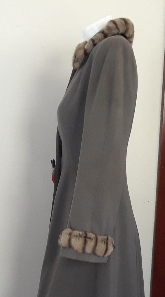 SALE* Vintage 1940s Wool & Chinchilla Princess Co… - image 6