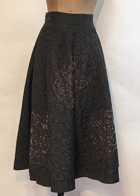Black Circle Skirt - Embroidered Beaded - 1950's V