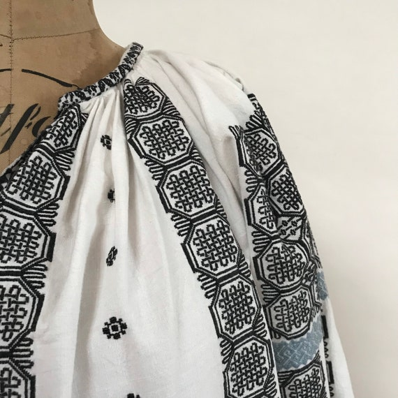 Vintage Romanian Blouse - 1940s Embroidered Shirt