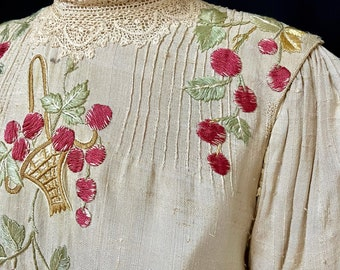 Edwardian Blouse - Cherry Basket Embroidered - Silk Blouse - Antique 1900's 1910's - Historical Costume