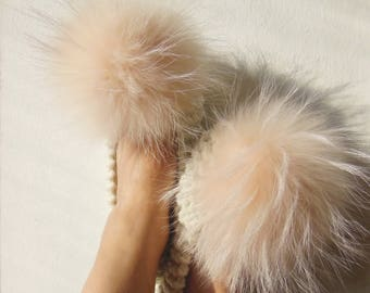 791f85a22262 Fuzzy slippers